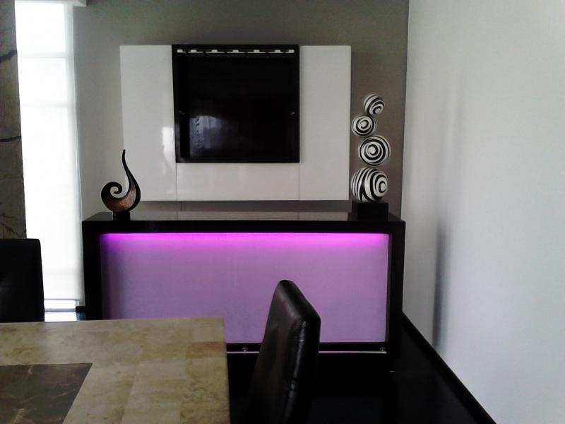 Cantinas y barras dise o exclusivo muebles contemporaneos for Diseno de cantinas para el hogar