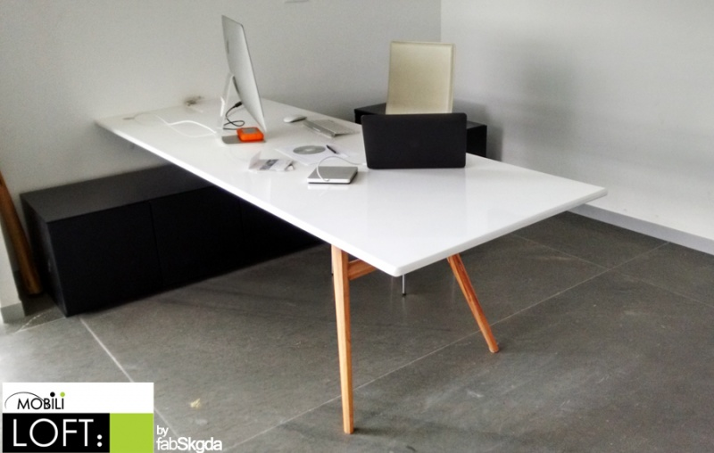 Escritorios muebles contemporaneos minimalistas for Dimensiones de un escritorio de oficina
