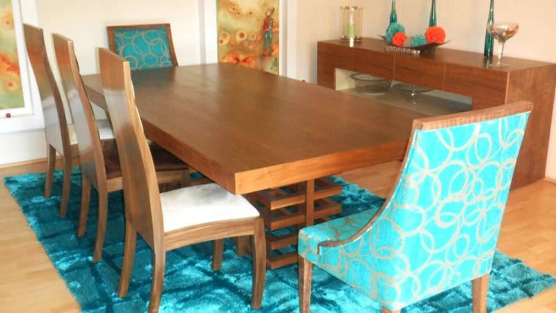 Comedores modernos de 8 sillas de vidrio for Catalogo de comedores de madera